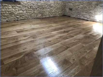 Oak floor - finished with Osmo satin oil